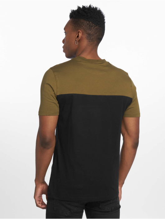 Wrung Division T-skjorter Buck svart