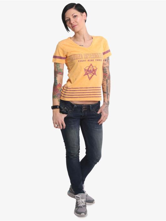 Yakuza T-skjorter International Stripes V Neck oransje