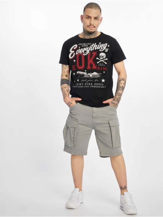 Yakuza T-skjorter Everything Ok svart