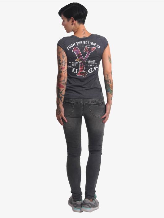 Yakuza T-skjorter My Heart svart