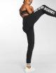 Better Bodies Spodnie do joggingu Madison czarny 1