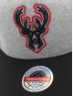 Mitchell & Ness Casquette Snapback & Strapback 186 Redline Milwaukee Bucks gris