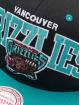 Mitchell & Ness Snapback Cap Vancouver Grizzlies HWC Team Arch black 3