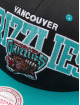 Mitchell & Ness Snapback Caps Vancouver Grizzlies HWC Team Arch čern 3