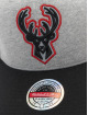 Mitchell & Ness Snapback Caps 186 Redline Milwaukee Bucks grå