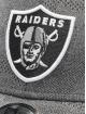 New Era Flexfitted Cap NFL Oakland Raiders Engineered Plus 39Thirty grau