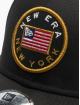 New Era Snapback Cap Flagged 9Forty schwarz