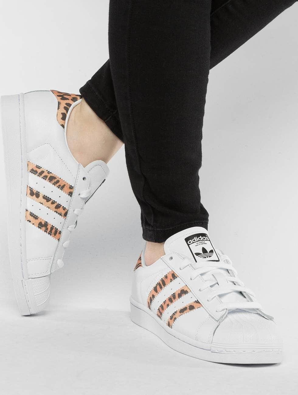 Grande Vente Pas Cher En Ligne Adidas Originals Superstar Chaussure / Basket En Blanc 436 972 Vente Pas Cher Vraiment Pas Cher NXeW1A6sd