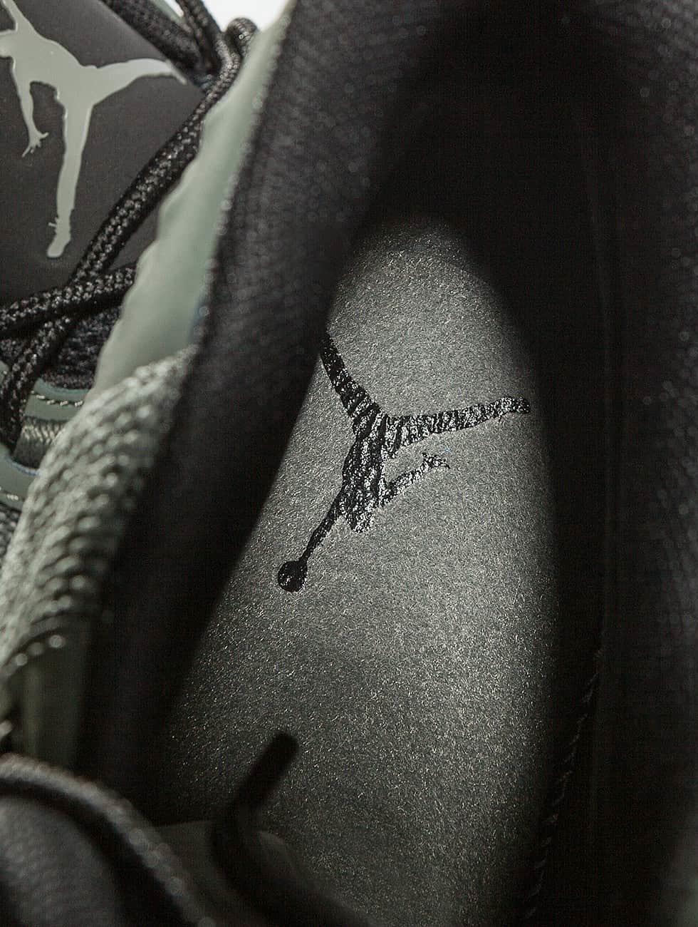Jordan Sneakers Academy šedá