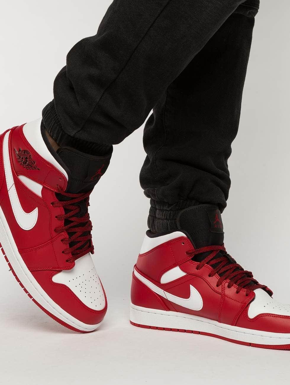Jordan Sneakers 1 Mid red