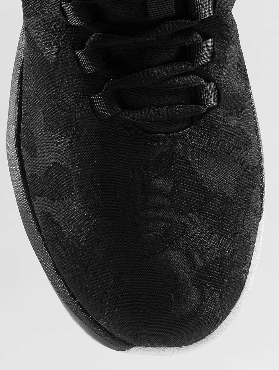 Jordan Sneakers B. Fly sort