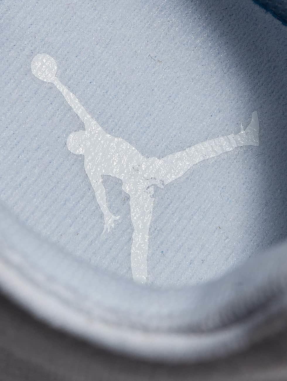 Jordan Sneakers Eclipse white