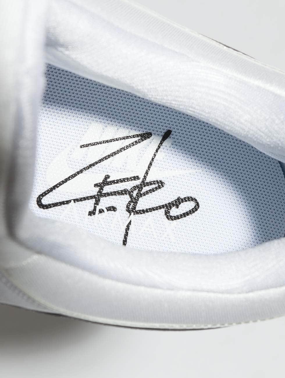 De Nombreux Types De Ligne Nike Air Schoen / Chaussure Max Zéro S Essentiels Dans L'esprit 496785 Vente Pas Cher Vraiment Jeu Avec Carte De Crédit La Sortie Des Prix Bon Marché La Sortie Abordable ZdFxf