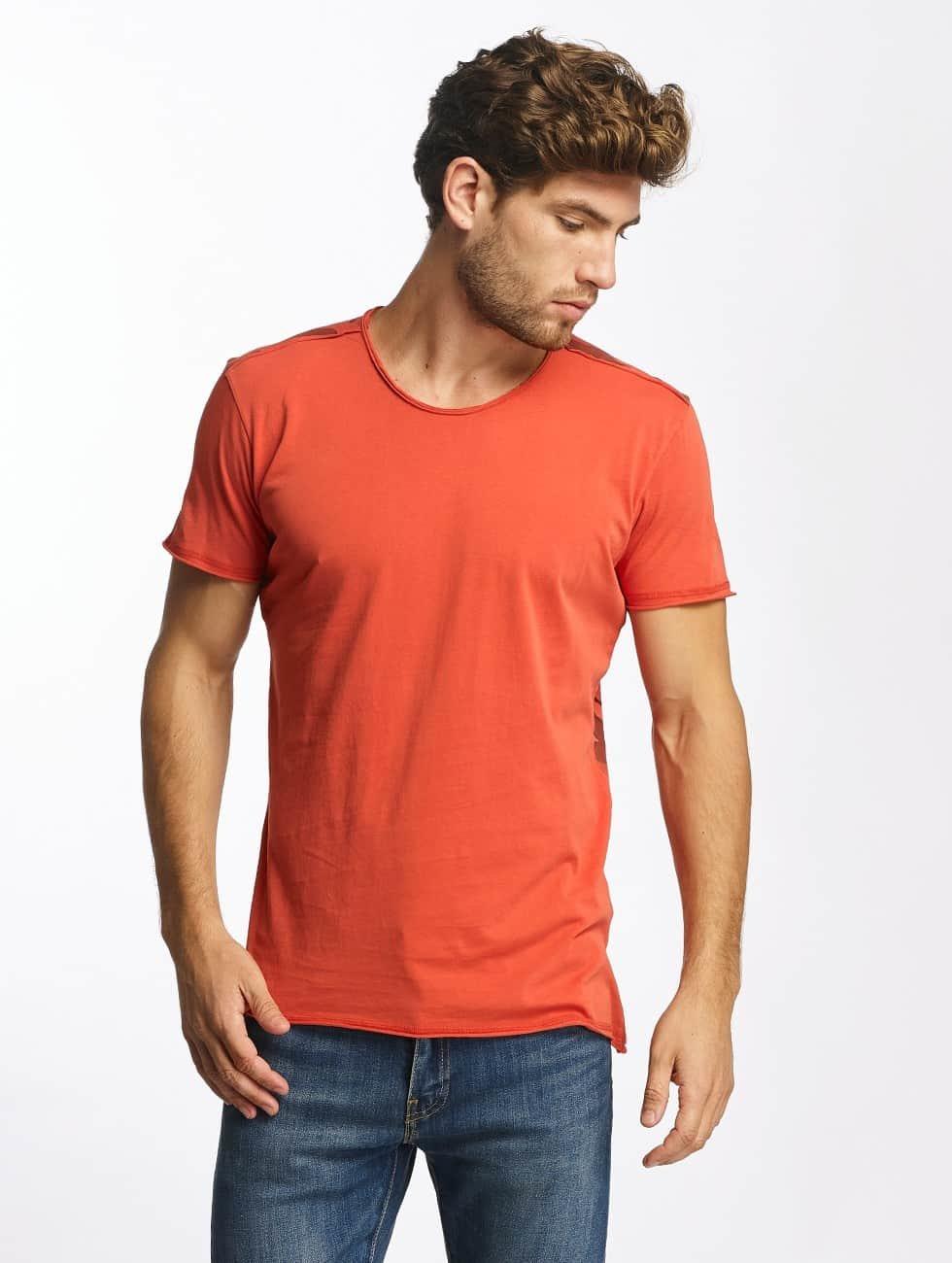Red Bridge T-Shirty Backing You Up czerwony