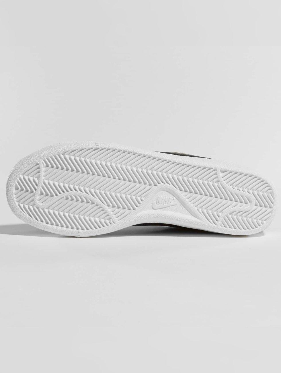 Nike Chaussures / Baskets Cour Royale En Daim Olive 422874 Livraison Gratuite En Ligne Pas Cher Vente Pas Cher Pour Pas Cher Les Dates De Sortie Pas Cher En Ligne GiWNn9m