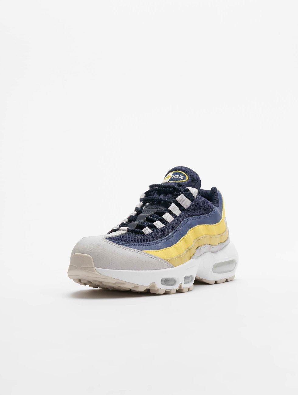 Nike Schoen / Sneaker Air Max 95 Essenziale Ingegno 442.633 j4CJmqmXM7