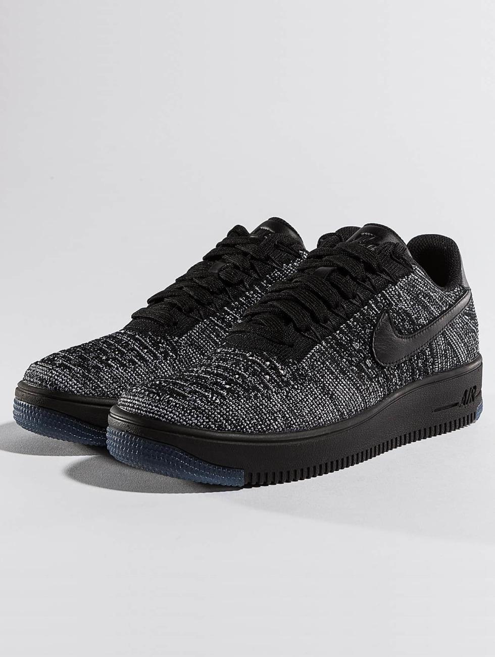 Nike Сникеры Flyknit Low черный