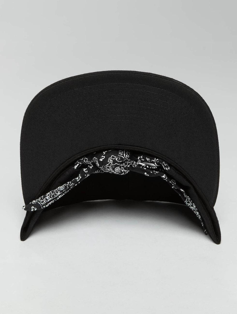 Flexfit Snapback Cap Bandana Tie black