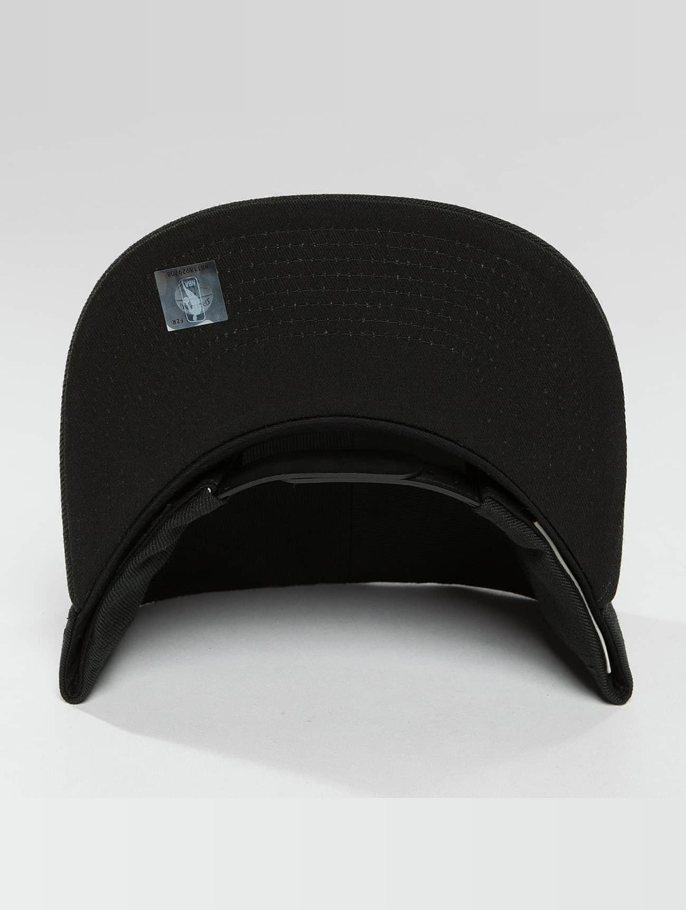 Mitchell & Ness Кепка с застёжкой Red Pop Interlocked черный