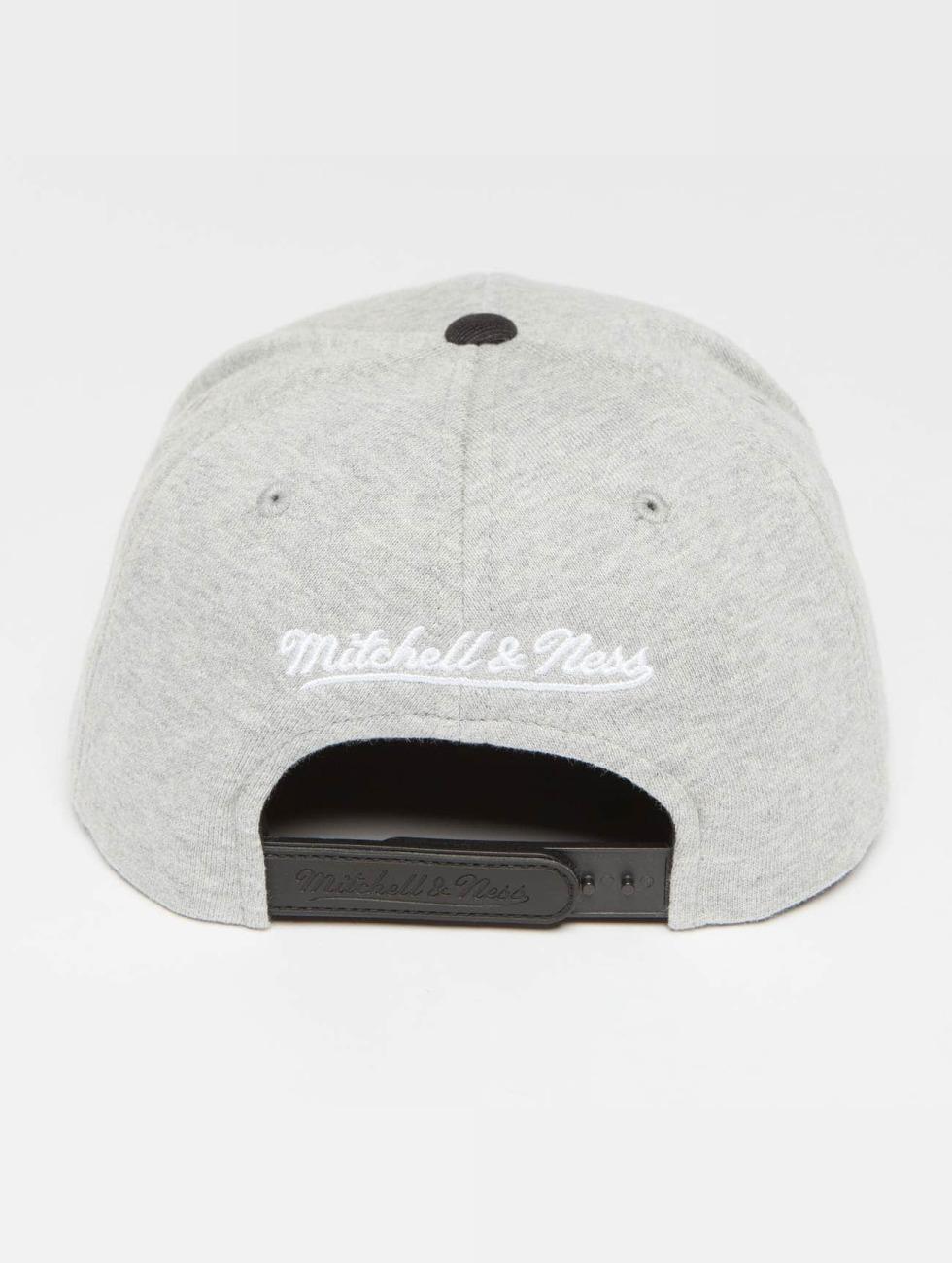 Mitchell & Ness Snapback Cap The 3-Tone NBA Toronto Raptors grey