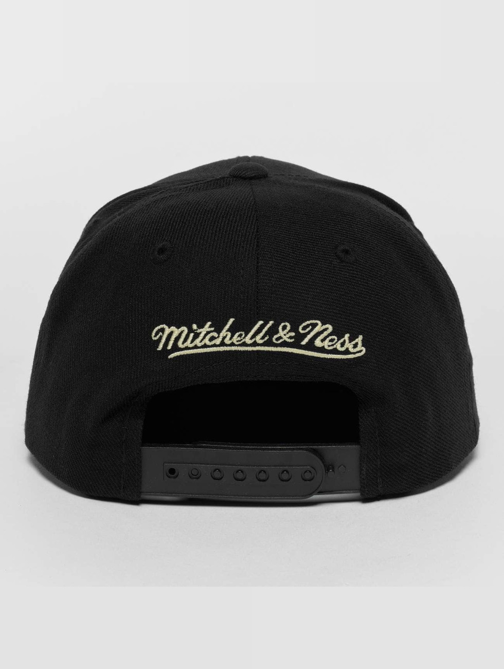 Mitchell & Ness Snapback Cap Raised Perimeter Own schwarz