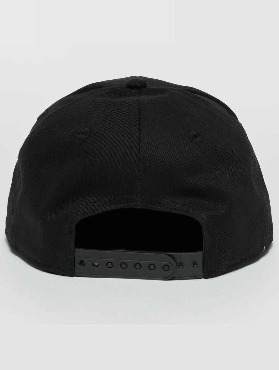 New Era Snapback Cap Metal Badge Cleveland Cavaliers schwarz