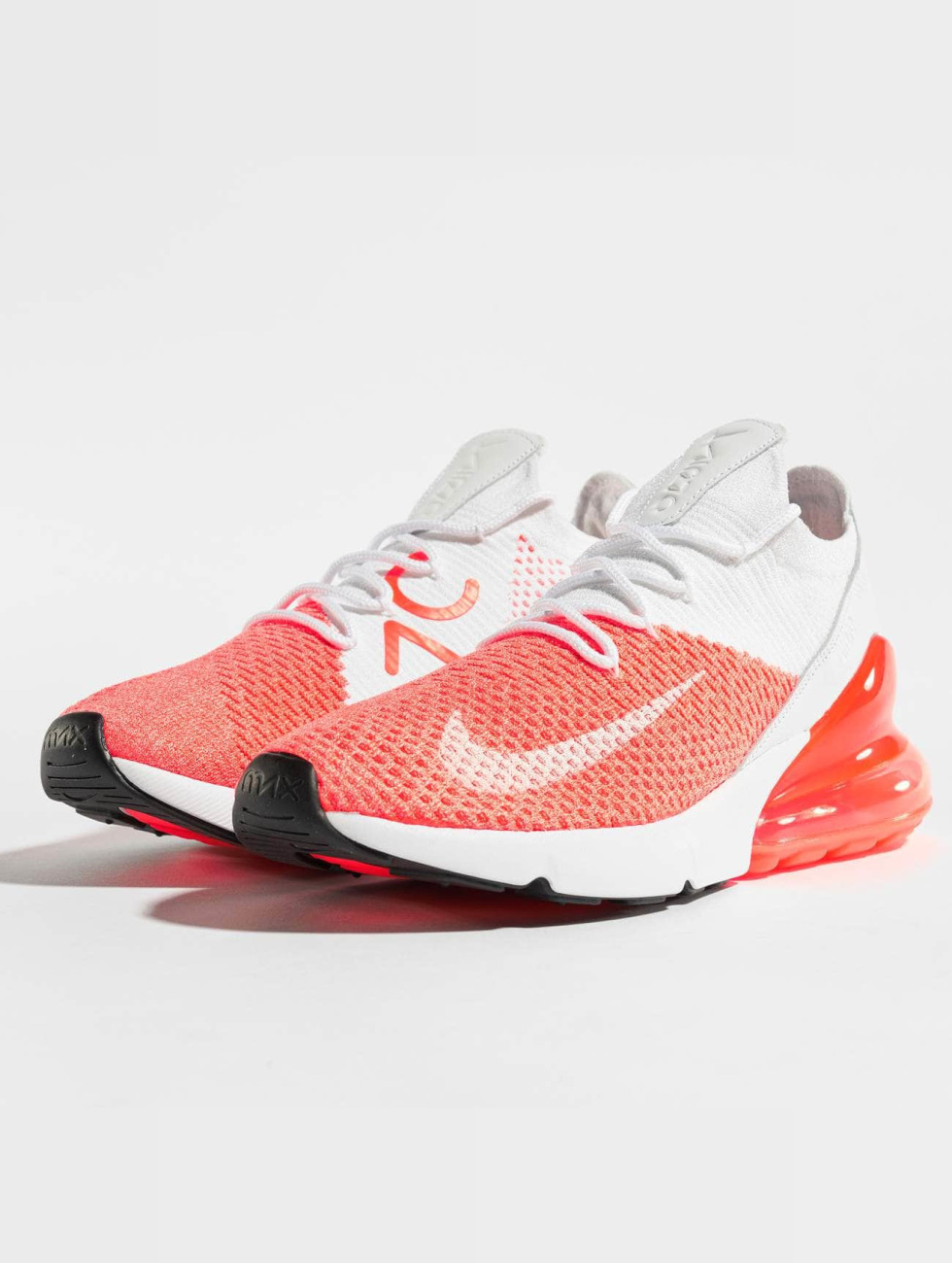 Nike Baskets Air Max 270 Flyknit rouge