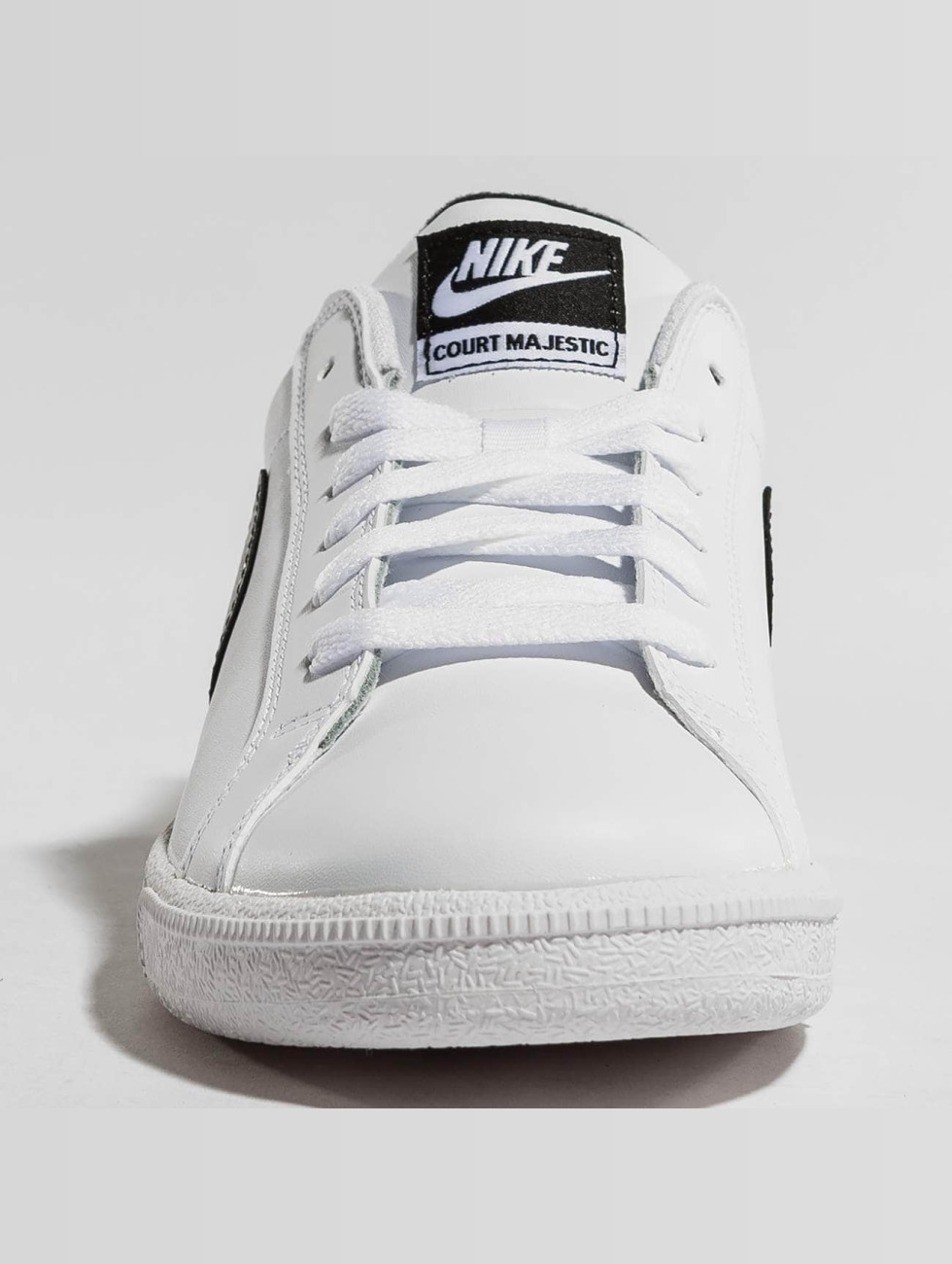 Nike Schoen / Court De Baskets En Cuir Majestueux Esprit 442622 Faire Du Shopping En Ligne Pas Cher Pas Cher Magasin De Jeu En Ligne Livraison Gratuite Le Moins Cher 6GarDH