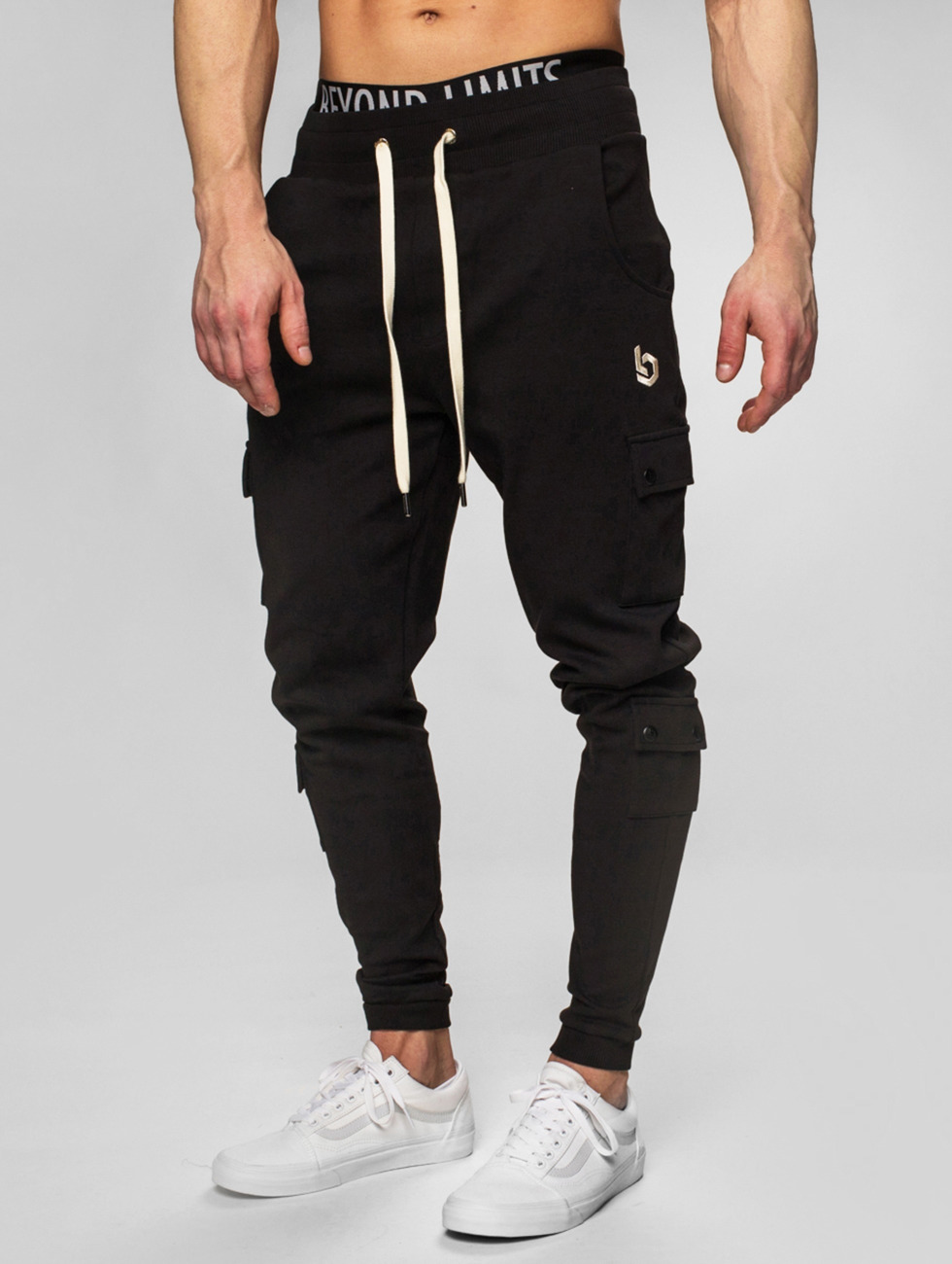Beyond Limits Pantalone ginnico Cargo nero