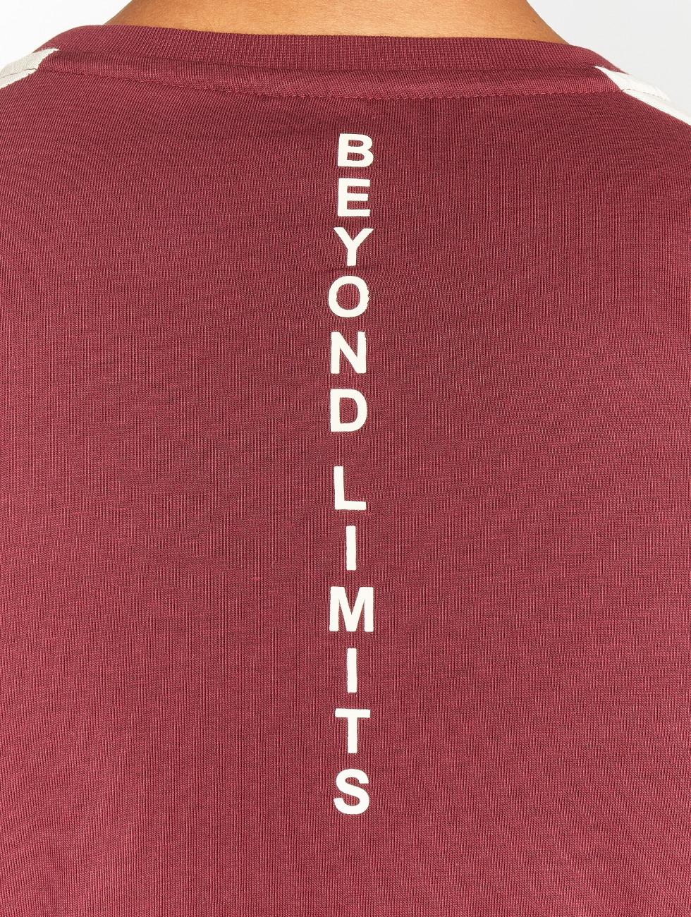 Beyond Limits Trika Foundation červený