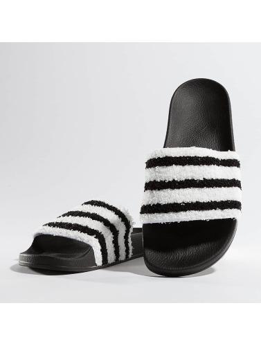 adidas originals Hombres Chanclas / Sandalias Adilette in negro