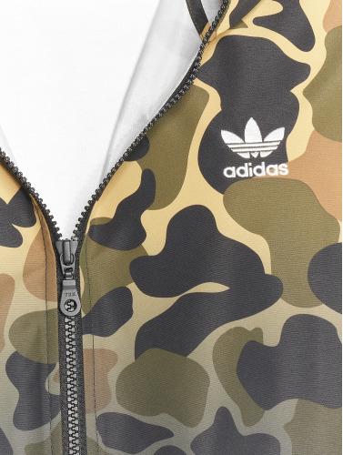 Adidas Originals Menn Windbreaker Jakke I Kamuflasje Camo Entretiempo gratis frakt salg eksklusivt for salg billig online plukke en beste h7svFzGF