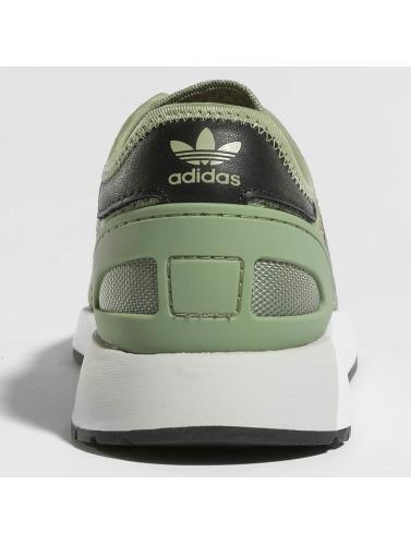 adidas originals Damen Sneaker Iniki Runner CLS in grün