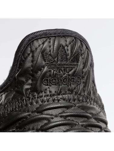 adidas originals Sneaker Tubular Shadow in schwarz