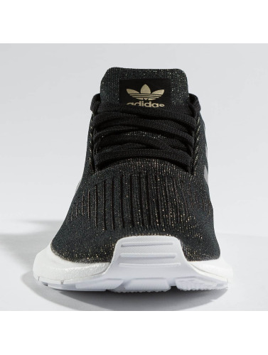 Adidas Originals Women Sneaker Swift Run In Black