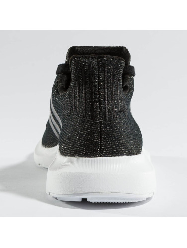 adidas originals Damen Sneaker Swift Run in schwarz