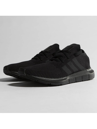 adidas originals Herren Sneaker Swift Run Pk in schwarz