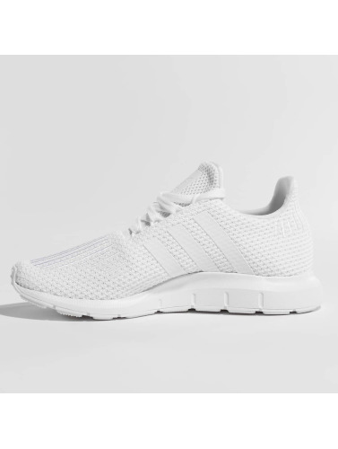 adidas originals Damen Sneaker Swift Run in weiß