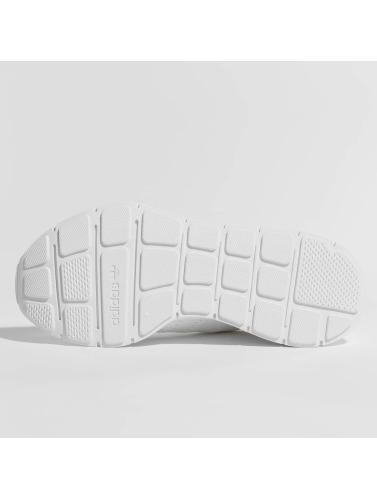 adidas originals Damen Sneaker Swift Run in weiß