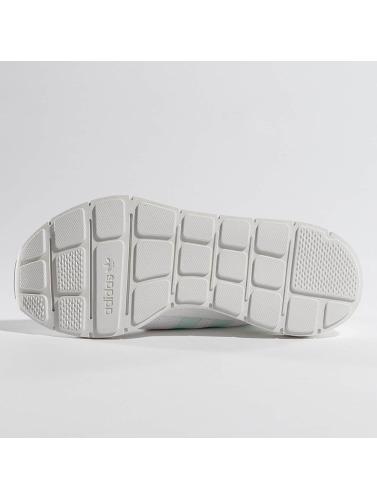 adidas originals Mujeres Zapatillas de deporte Swift Run W in blanco