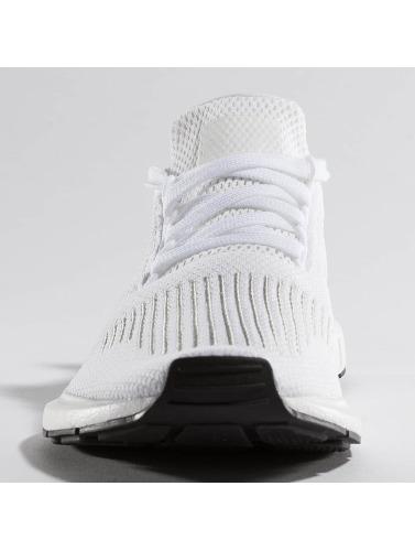 adidas originals Hombres Zapatillas de deporte Swift Run in blanco