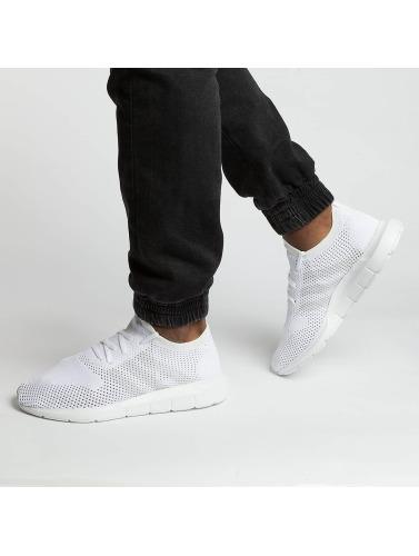 adidas originals Hombres Zapatillas de deporte Swift Run Pk in blanco