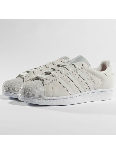 adidas originals Mujeres Zapatillas de deporte Superstar in gris