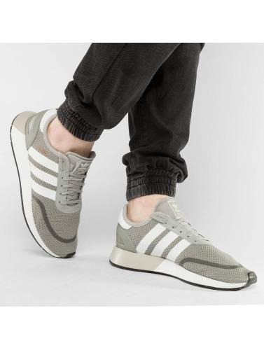 adidas originals Hombres Zapatillas de deporte N-5923 in gris