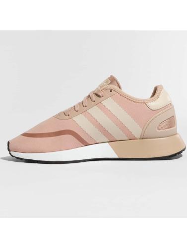 adidas originals Mujeres Zapatillas de deporte Iniki Runner CLS W in rosa