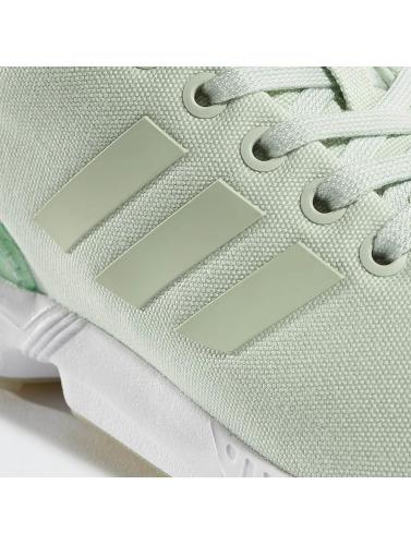 adidas originals Mujeres Zapatillas de deporte ZX FLux in verde