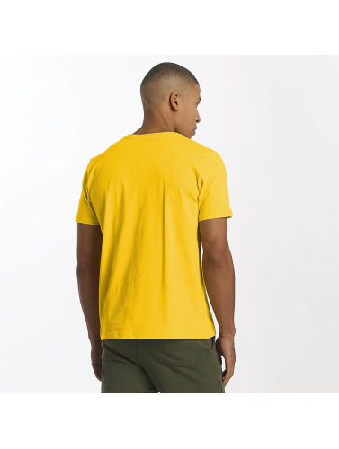 Alpha Industries Hombres Camiseta Basic in amarillo