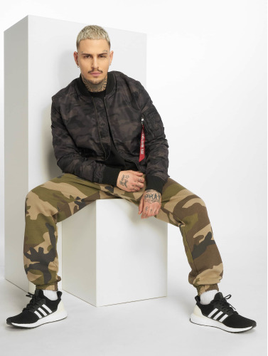 Alpha Industries Hombres Cazadora bomber MA-1 TT in camuflaje