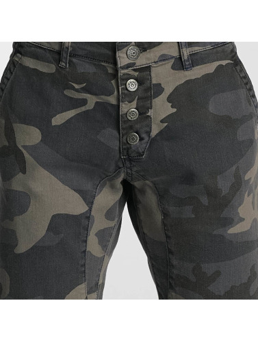 Bangastic Herren Shorts Army in camouflage