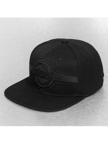 Bangastic Snapback Cap Black On Black in schwarz